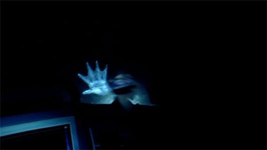Bàn tay màu trắng cho thấy sự tồn tại của Nàng tiên cá là có căn cứ.