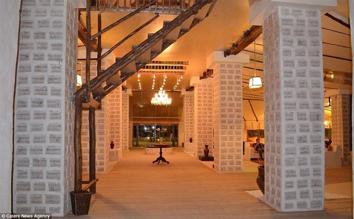 Khách sạn được xây dựng hoàn toàn từ muối
