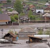 Nga sơ tán hàng chục nghìn người vì mưa lũ