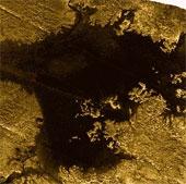 """Phát hiện """"hòn đảo ma thuật"""" trên Sao Thổ"""