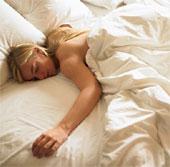Nghiên cứu: Ngủ nude khiến bạn hạnh phúc hơn