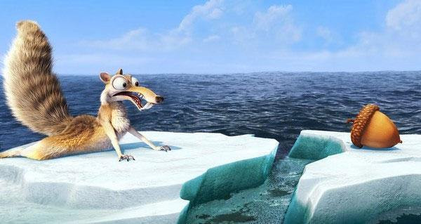 """Ảnh hiếm về loài sóc """"ma cà rồng"""" có chiếc đuôi xù"""