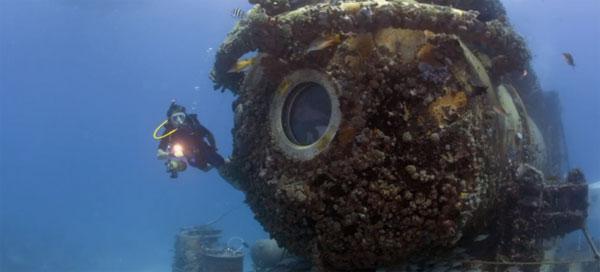 Hành trình 31 ngày dưới đại dương