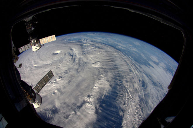 Siêu bão Neoguri nhìn từ vũ trụ