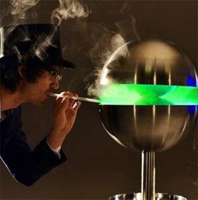 """Chiếc máy Edible Mist có thể giúp bạn """"hít"""" hơn 200 mùi hương khác nhau"""