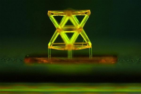 Chế tạo vật liệu mới nhẹ hơn aerogel, cứng gấp 10.000 lần