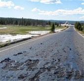 Siêu núi lửa làm tan chảy nhựa đường