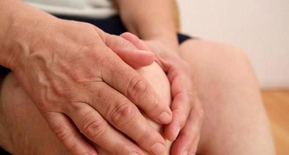 Cách giúp bạn khỏi tình trạng tê tay đáng ghét