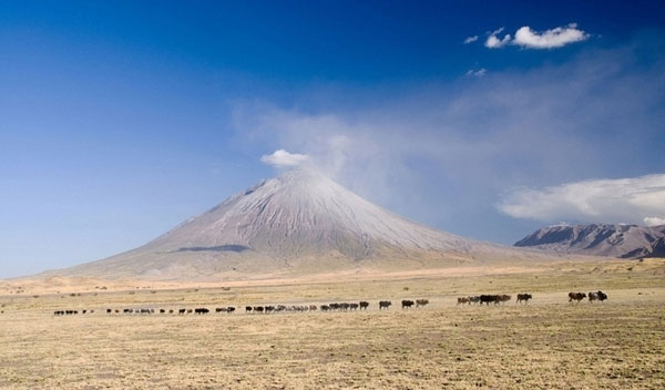 Ol Doinyo Lengai - Ngọn núi lửa độc đáo nhất thế giới