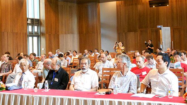 """Hội nghị khoa học quốc tế """"Vật lý hạt hương vị"""""""