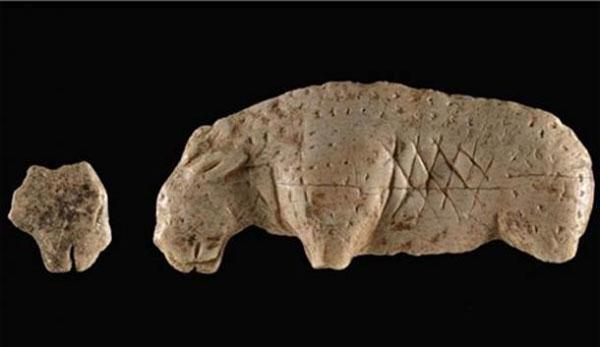Phát hiện mảnh vỡ từ bức tượng ngà voi ma mút 40 nghìn năm tuổi