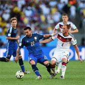 Trung bình mỗi cầu thủ chạy bao nhiêu km trong một trận World Cup?