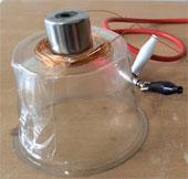Video: Tự làm một chiếc loa nghe đơn giản