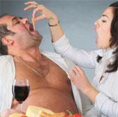 Tại sao đàn ông thường phát phì sau kết hôn?