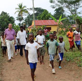 Nhà khoa học phát hiện virus Ebola