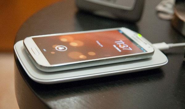 Sạc pin cho smartphone qua sóng siêu âm