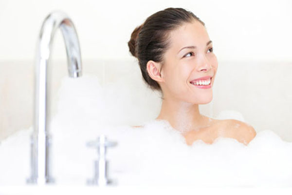 Những việc nên và không nên trong lúc tắm, gội