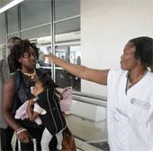 WHO: Nguy cơ lây lan Ebola qua hàng không rất thấp