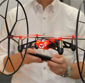 Rolling Spider – Máy bay điều khiển bằng điện thoại