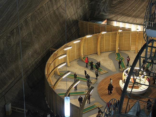 Công viên giải trí trong mỏ muối cổ nhất hành tinh