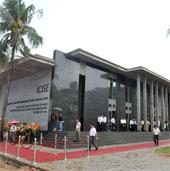 Xây bảo tàng, nhà vũ trụ, tạo điểm hẹn khoa học quốc tế