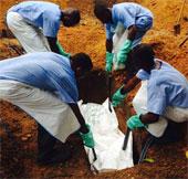 Những hình ảnh khiến cả thế giới xót xa tại vùng tâm dịch Ebola