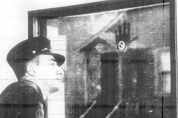 Bí ẩn dấu vân tay không mờ của một người lính cứu hỏa