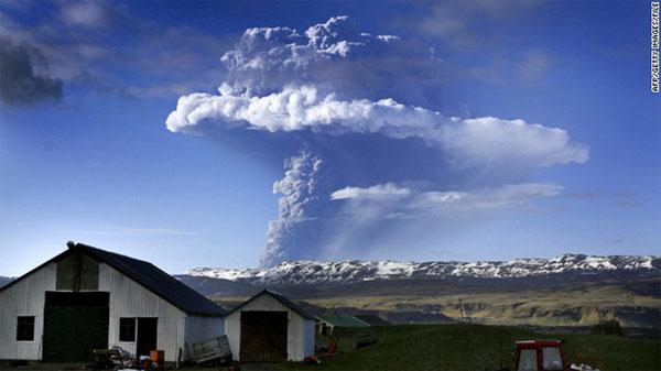 Iceland ra cảnh báo đỏ về núi lửa