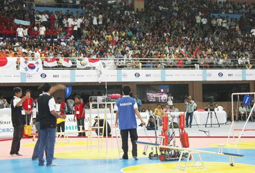 Việt Nam đăng quang cuộc thi Robocon quốc tế