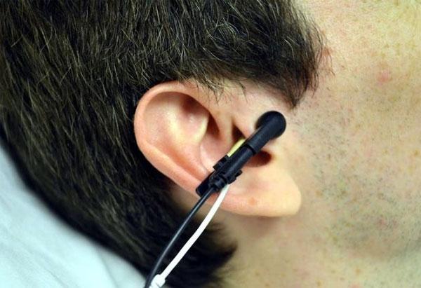 Cải thiện sức khỏe tim mạch nhờ kích điện… lỗ tai