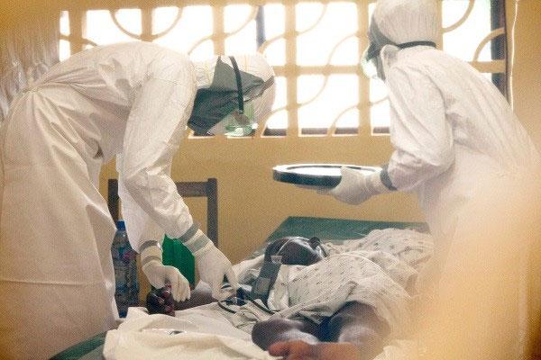 Chính thức thử nghiệm vaccine Ebola trên cơ thể người