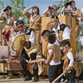 Kinh tế phát triển ảnh hưởng ngôn ngữ bản địa