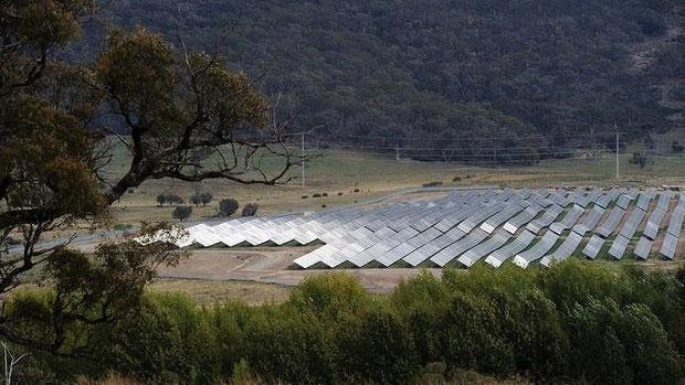 Khai trương nhà máy năng lượng Mặt Trời lớn nhất Australia