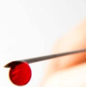 Sức khỏe đời sống-Cách xử trí khi bị đâm bởi vật nhọn nghi dính máu HIV