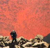 """Hai nhà thám hiểm xuống """"cổng địa ngục"""" ở Thái Bình Dương"""