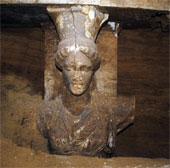 Phát hiện hai bức tượng phụ nữ ở khu lăng mộ Amphipolis