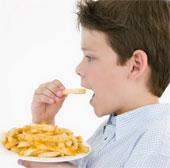 Hầu như trẻ em Mỹ ăn quá nhiều muối, làm tăng nguy cơ bệnh tim
