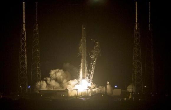 Phóng thành công tàu chở hàng Dragon lên ISS