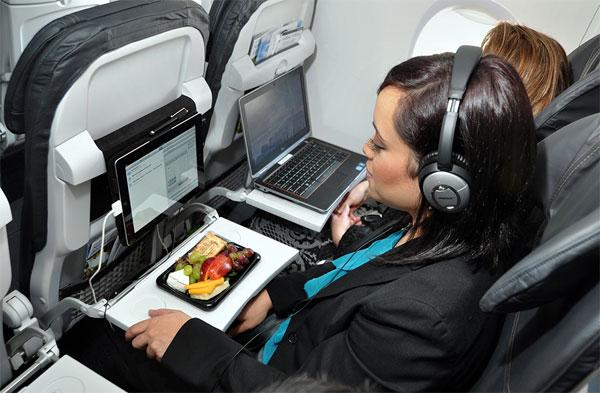Giai đoạn cất cánh và hạ cánh của máy bay được xem là 2 giai đoạn quan trọng nhất đối với mỗi chuyến bay