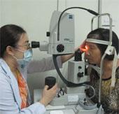 Dịch đau mắt đỏ bùng phát mạnh tại Hà Nội