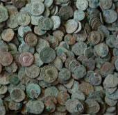 Phát hiện kho báu tiền xu cổ nhất nước Anh