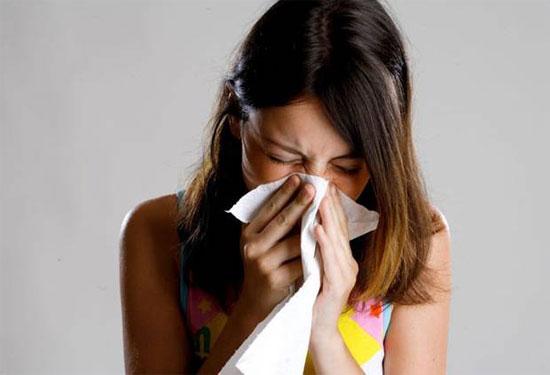 Không nên uống kháng sinh khi cảm, ho dưới 5 ngày