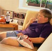Cho trẻ nhìn màn hình thiết bị giải trí trong bao lâu là vừa đủ?