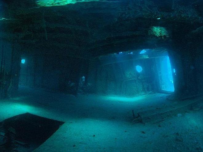 Chiêm ngưỡng nghĩa địa tàu đắm ở tam giác quỷ Bermuda