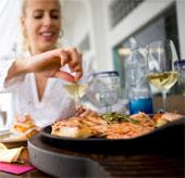 Ăn cá giúp phụ nữ bảo vệ thính lực