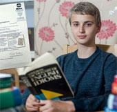 Cậu bé có chỉ số IQ cao hơn Albert Einstein và Stephen Hawking