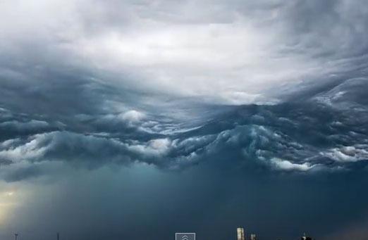 Video: Mây cuộn sóng trên bầu trời nước Mỹ