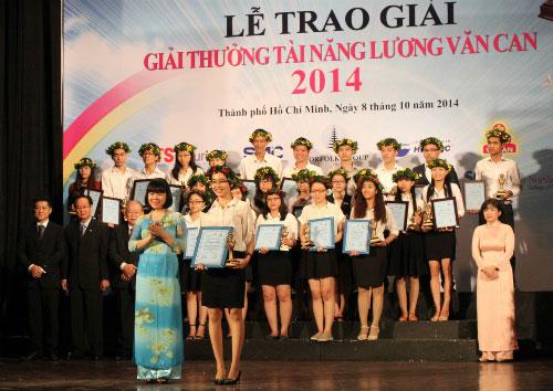 Bông tắm từ xơ mướp giành giải nhất cuộc thi tài tăng Lương Văn Can