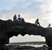 """Phát hiện """"Cổng Tò vò"""" dưới đáy biển đảo Lý Sơn"""