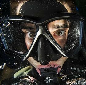 Mặt nạ giúp con người thở dưới nước